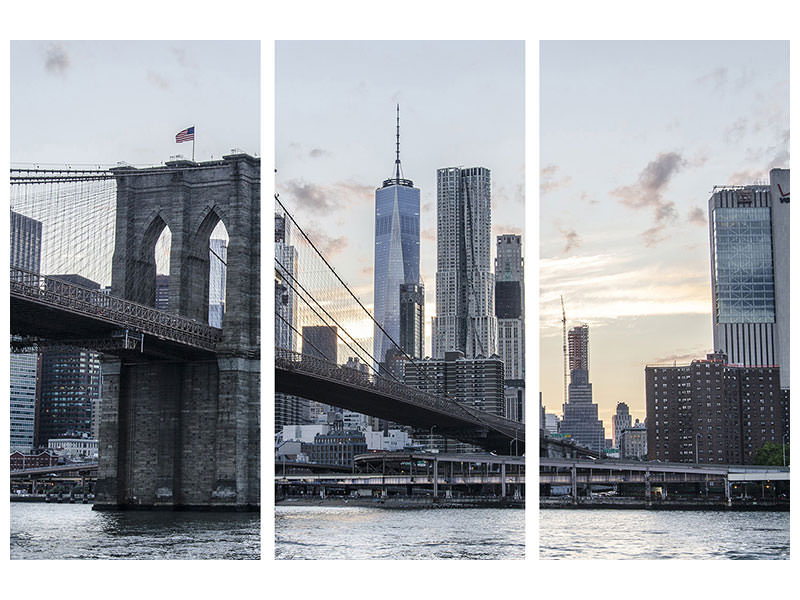3 Piece Canvas Print The Brooklyn Bridge in the evening